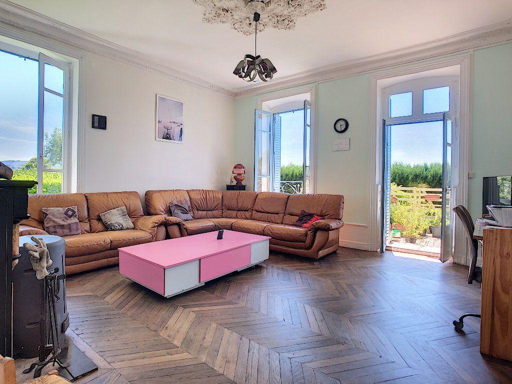 Maison à vendre 11 250.1m2 à Pionsat vignette-2