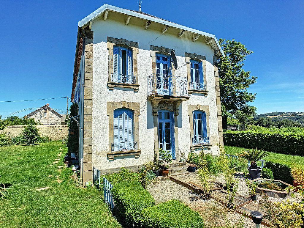 Maison à vendre 11 250.1m2 à Pionsat vignette-17