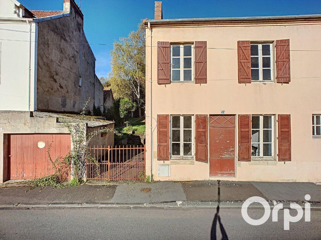 Maison à vendre 5 122m2 à Saint-Éloy-les-Mines vignette-1