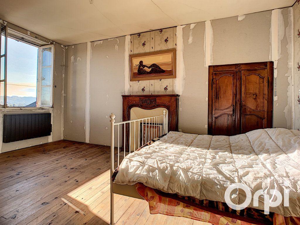 Maison à vendre 5 122m2 à Saint-Éloy-les-Mines vignette-5