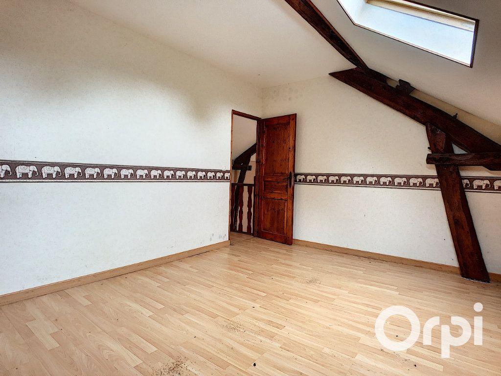 Maison à vendre 3 101m2 à Menat vignette-8