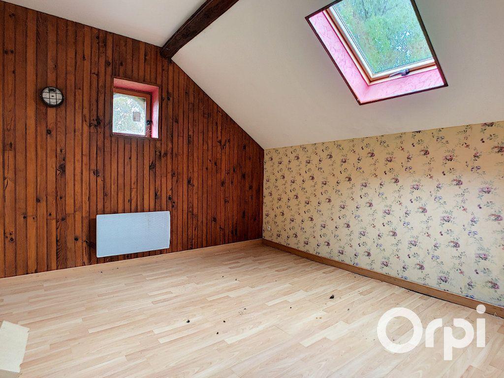Maison à vendre 3 101m2 à Menat vignette-9