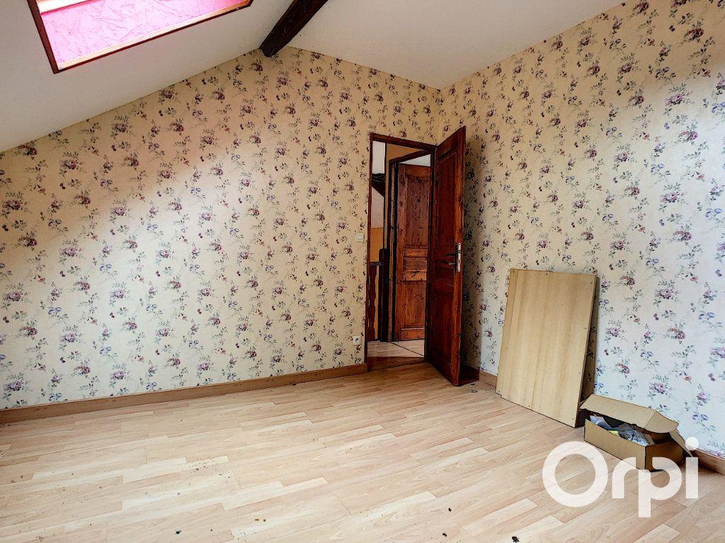Maison à vendre 3 101m2 à Menat vignette-10