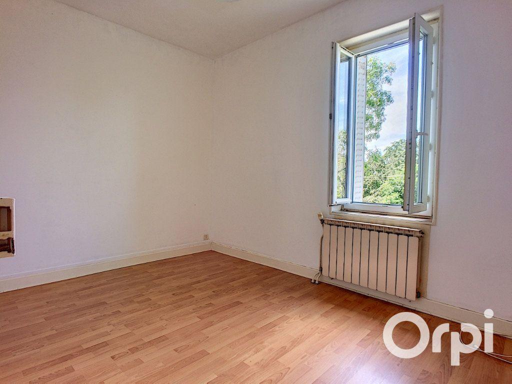 Maison à vendre 3 50m2 à Queuille vignette-6