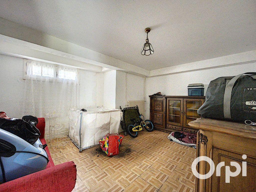 Maison à vendre 5 94m2 à Saint-Éloy-les-Mines vignette-10