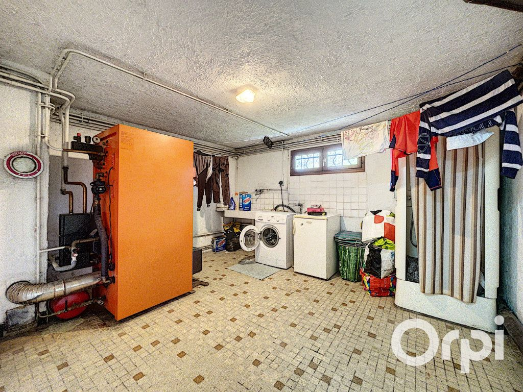 Maison à vendre 5 94m2 à Saint-Éloy-les-Mines vignette-11