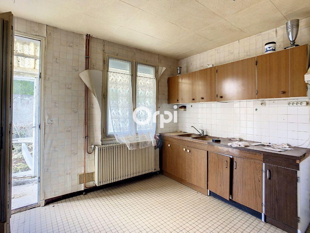 Maison à vendre 5 103.2m2 à Montaigut vignette-3