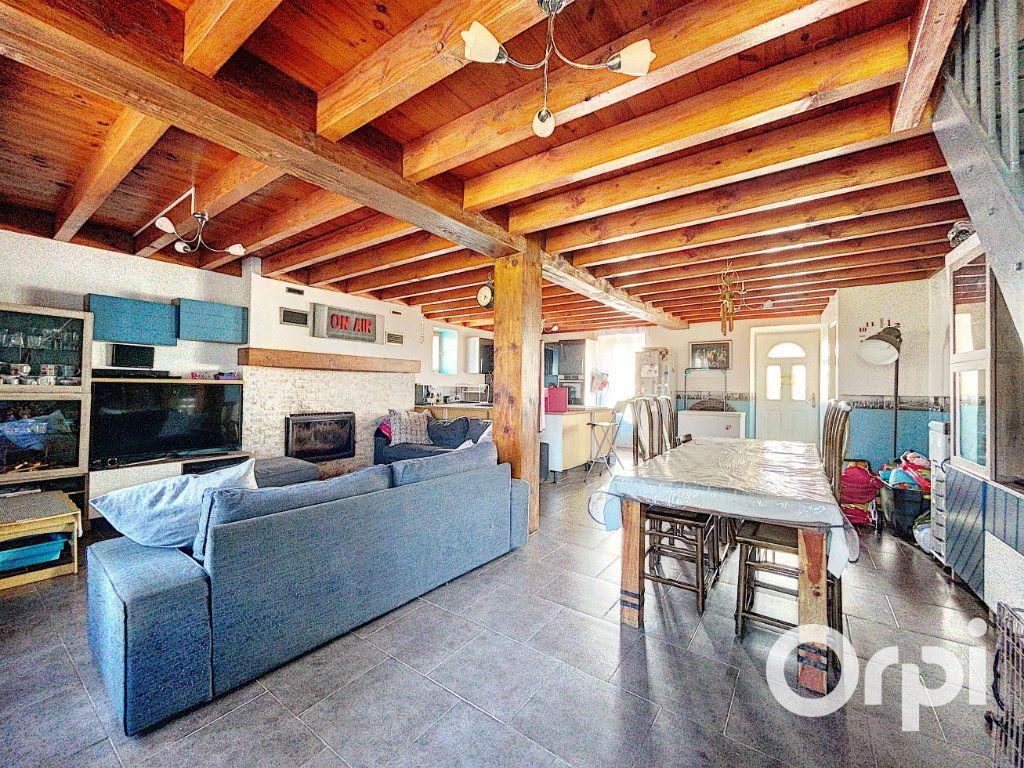 Maison à vendre 4 104.3m2 à Lapeyrouse vignette-3