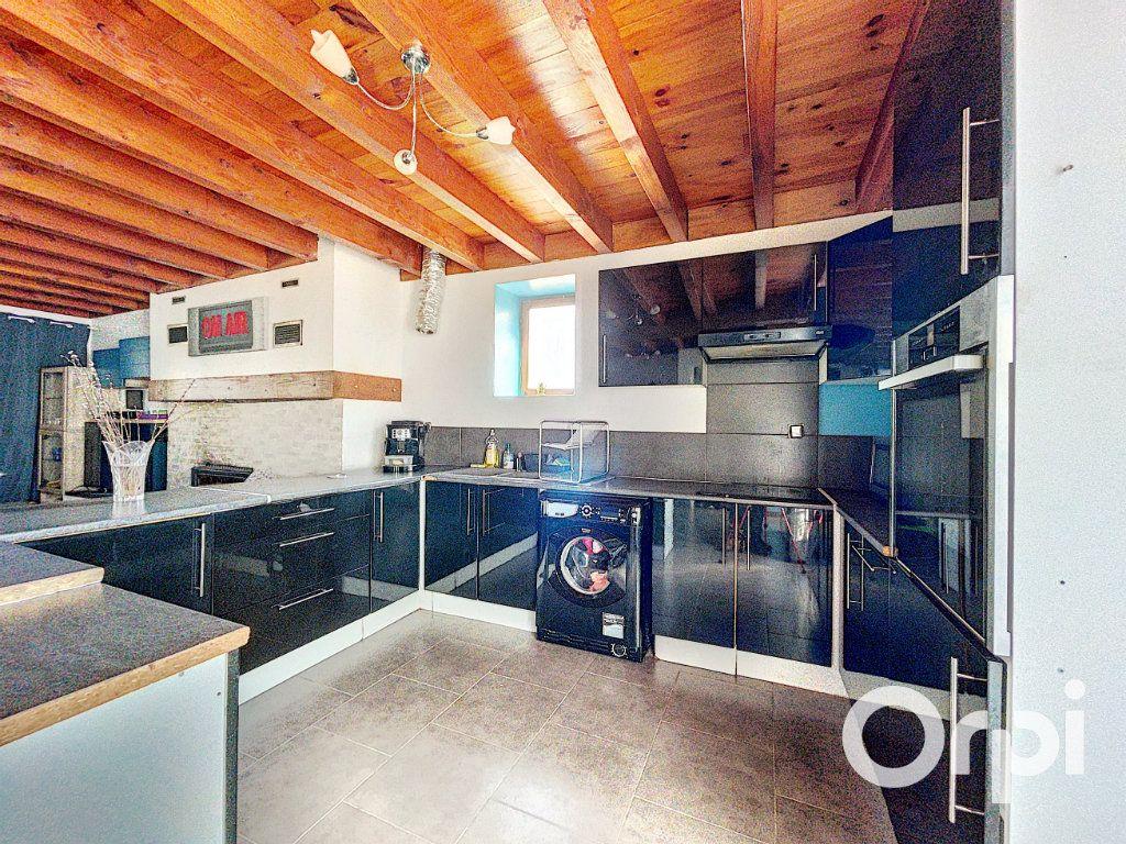 Maison à vendre 4 104.3m2 à Lapeyrouse vignette-4