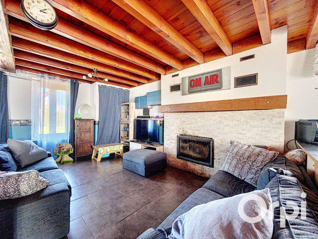 Maison à vendre 4 104.3m2 à Lapeyrouse vignette-5