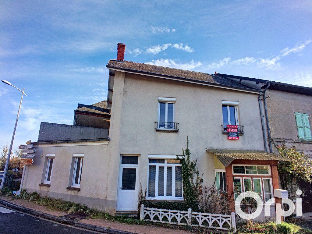 Maison à vendre 5 105m2 à Saint-Priest-des-Champs vignette-1