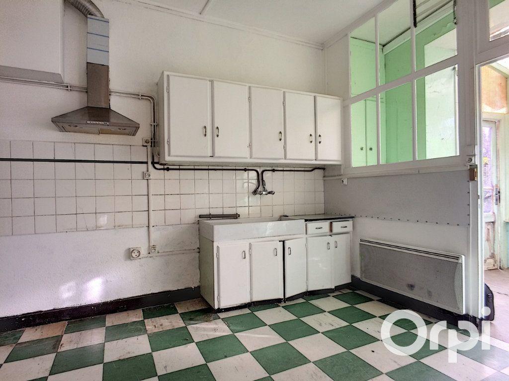 Maison à vendre 5 105m2 à Saint-Priest-des-Champs vignette-4