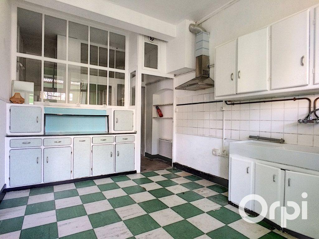 Maison à vendre 5 105m2 à Saint-Priest-des-Champs vignette-5