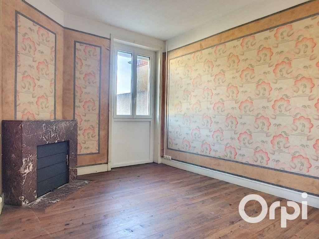 Maison à vendre 5 105m2 à Saint-Priest-des-Champs vignette-9