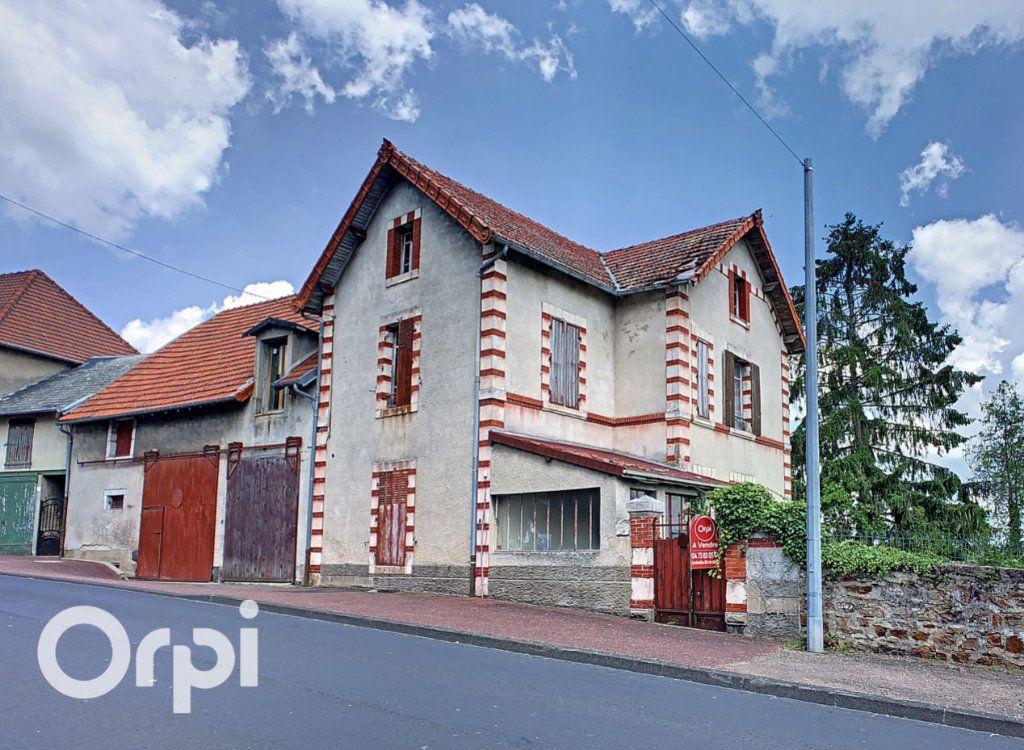 Maison à vendre 5 137m2 à Montaigut vignette-1
