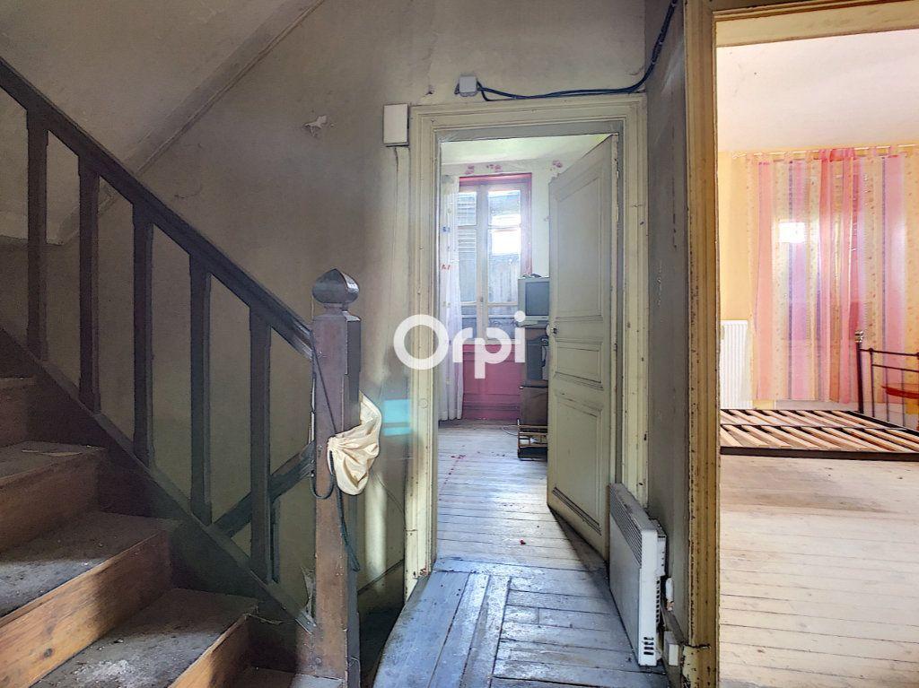 Maison à vendre 5 137m2 à Montaigut vignette-8
