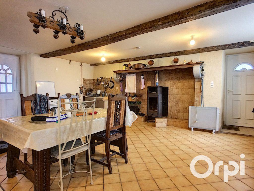 Maison à vendre 4 120m2 à Châteauneuf-les-Bains vignette-2