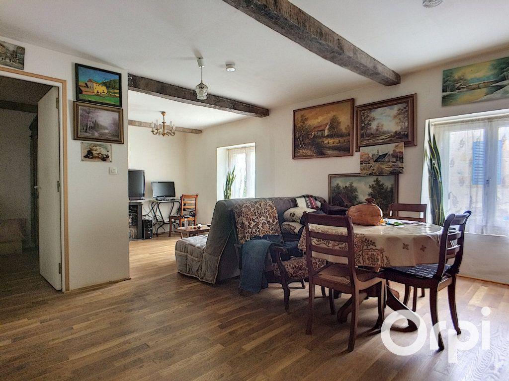 Maison à vendre 4 120m2 à Châteauneuf-les-Bains vignette-4