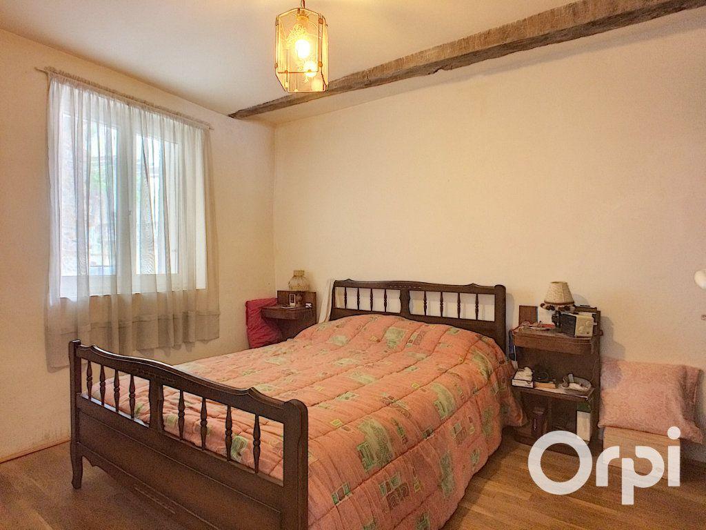 Maison à vendre 4 120m2 à Châteauneuf-les-Bains vignette-5