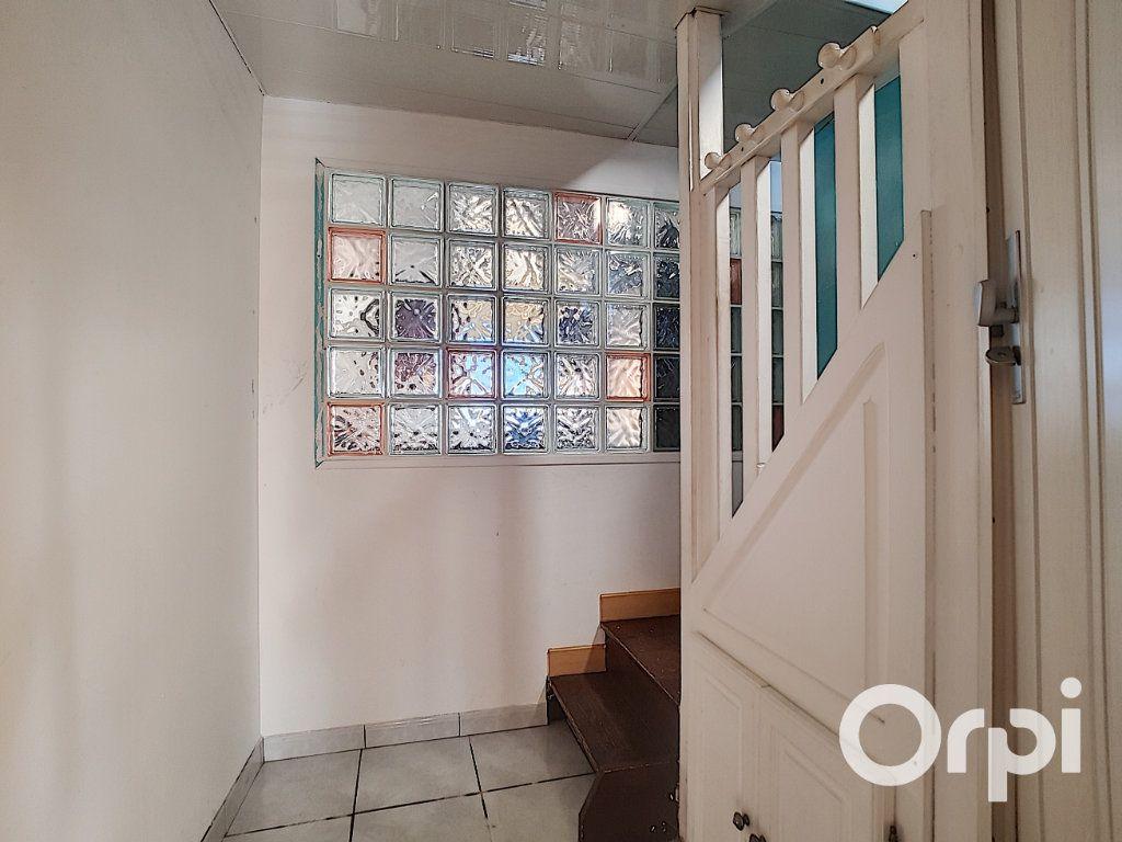 Maison à vendre 6 80m2 à Montaigut vignette-4