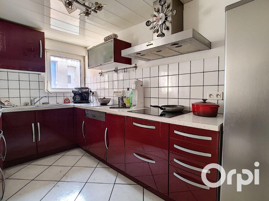Maison à vendre 6 80m2 à Montaigut vignette-6