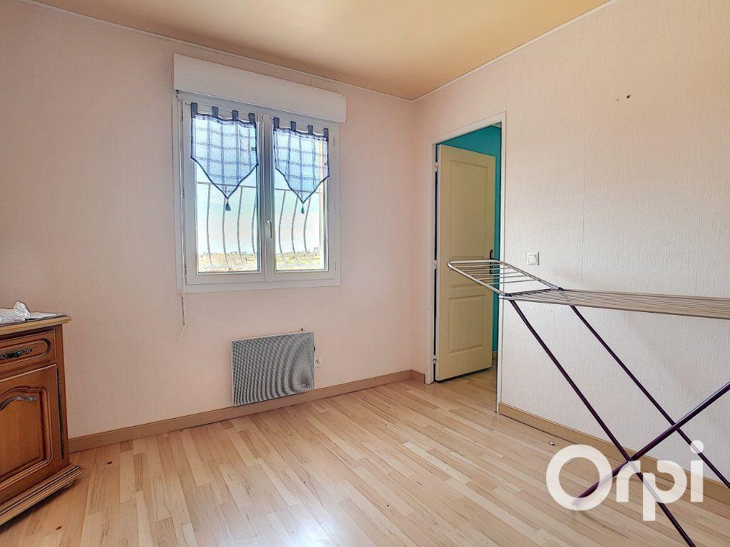 Maison à vendre 6 80m2 à Montaigut vignette-9