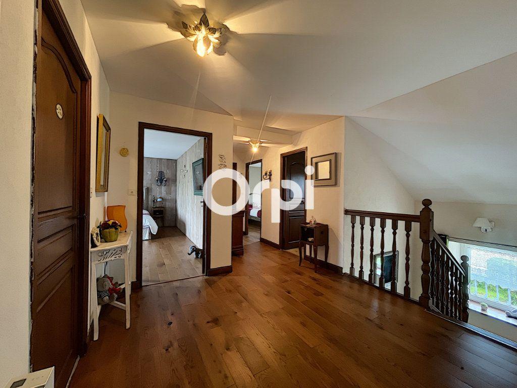 Maison à vendre 7 245m2 à La Crouzille vignette-7