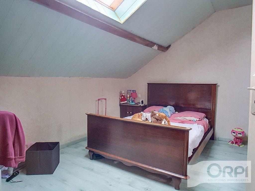 Maison à vendre 5 94.5m2 à Saint-Éloy-les-Mines vignette-9