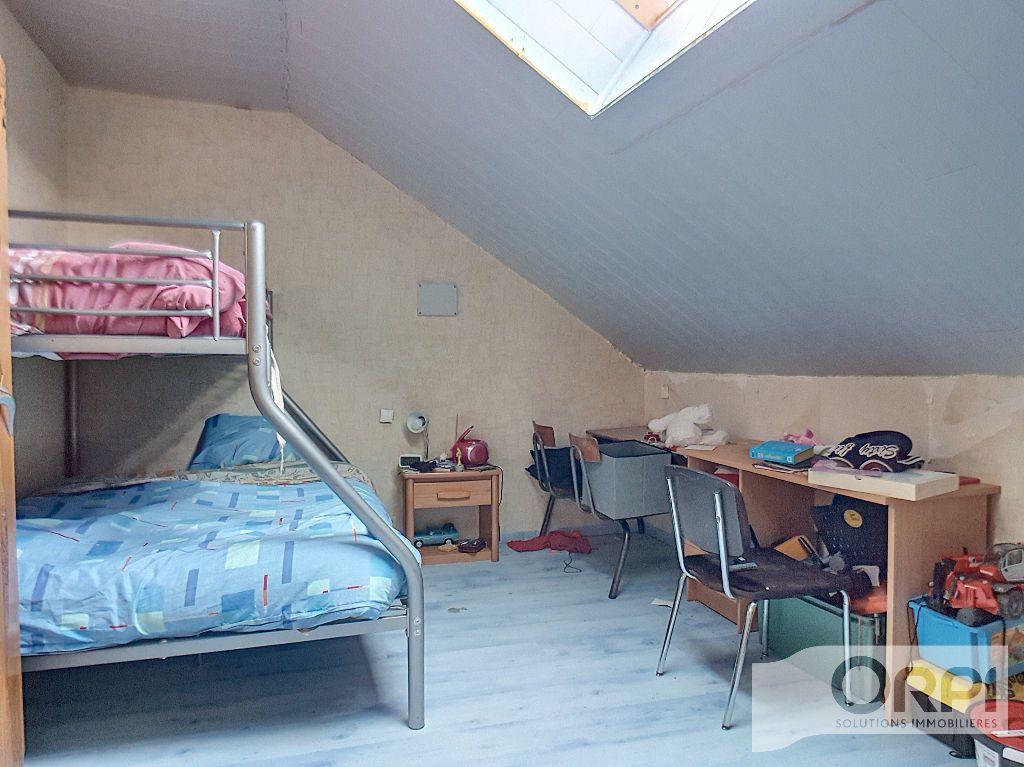 Maison à vendre 5 94.5m2 à Saint-Éloy-les-Mines vignette-10