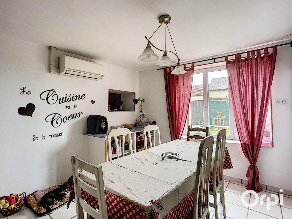 Maison à vendre 9 166m2 à Saint-Éloy-les-Mines vignette-2