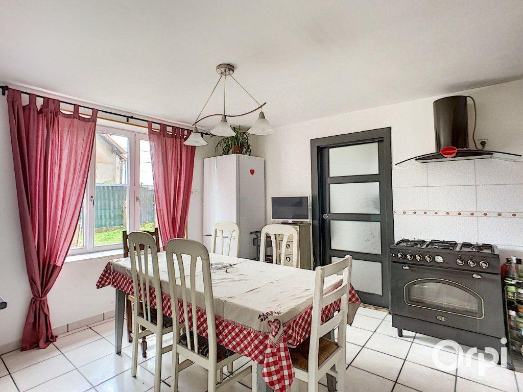 Maison à vendre 9 166m2 à Saint-Éloy-les-Mines vignette-3