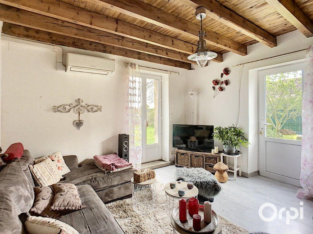 Maison à vendre 9 166m2 à Saint-Éloy-les-Mines vignette-6