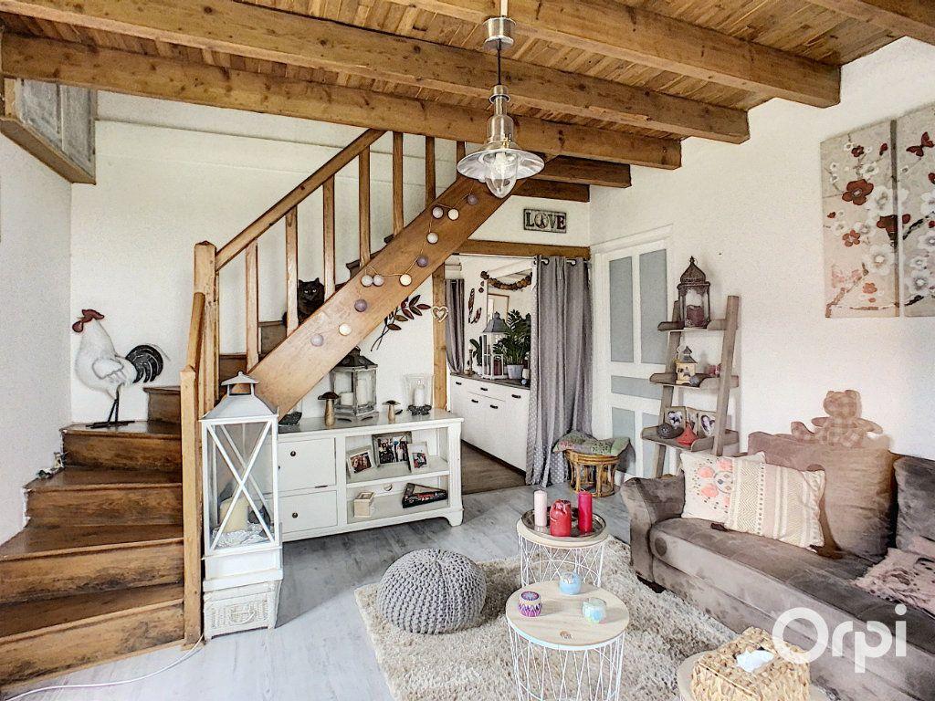 Maison à vendre 9 166m2 à Saint-Éloy-les-Mines vignette-7