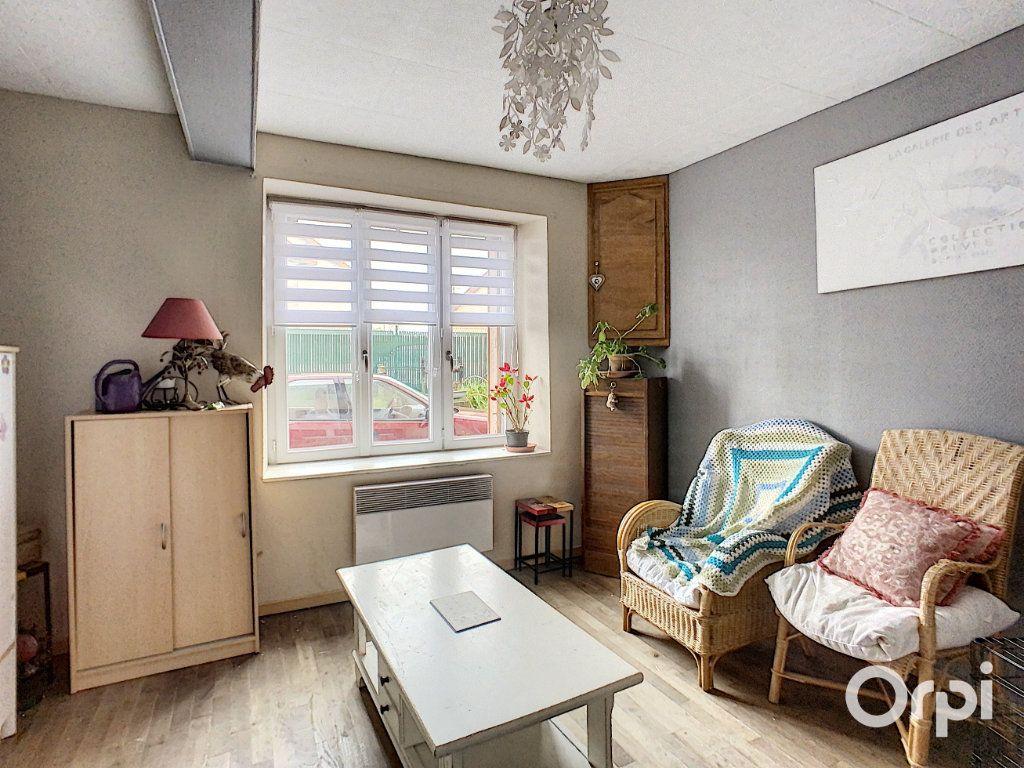 Maison à vendre 9 166m2 à Saint-Éloy-les-Mines vignette-9