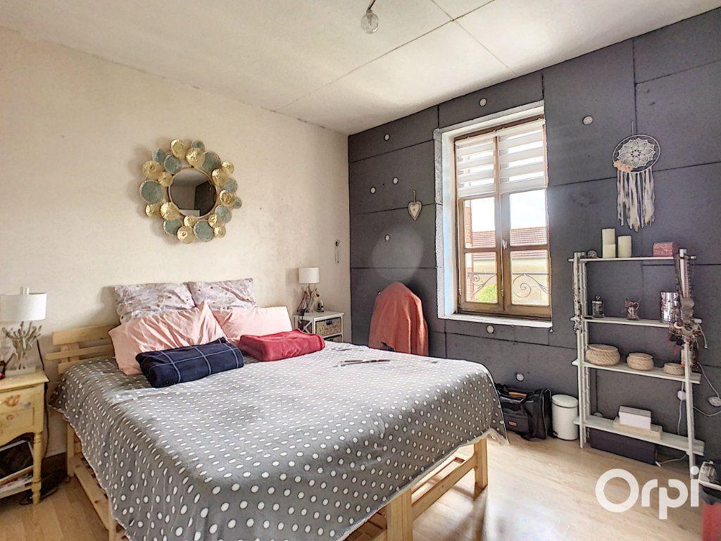 Maison à vendre 9 166m2 à Saint-Éloy-les-Mines vignette-11
