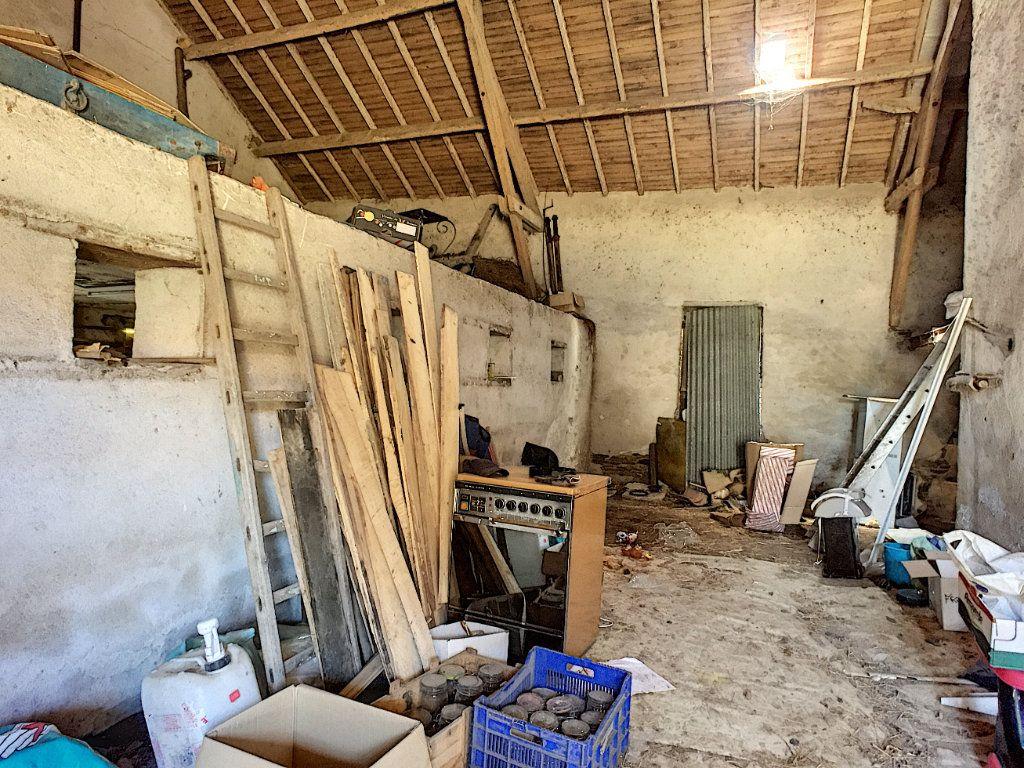 Maison à vendre 9 166m2 à Saint-Éloy-les-Mines vignette-12