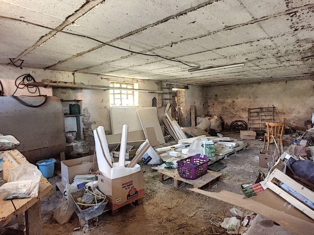 Maison à vendre 9 166m2 à Saint-Éloy-les-Mines vignette-13