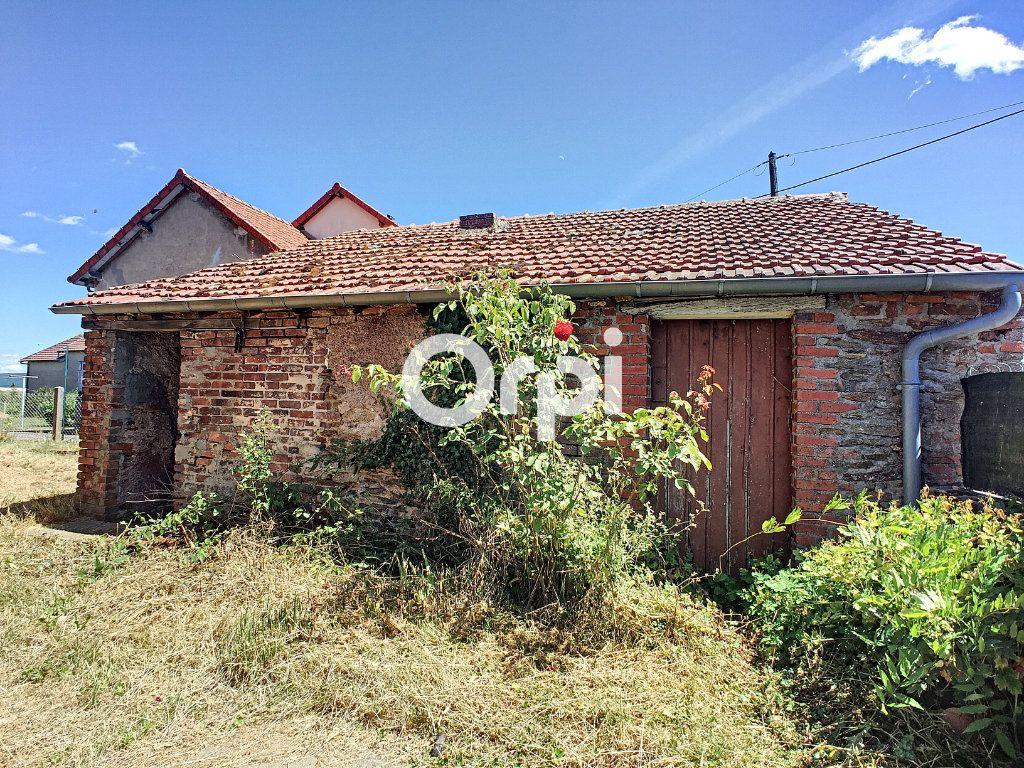 Maison à vendre 9 166m2 à Saint-Éloy-les-Mines vignette-14