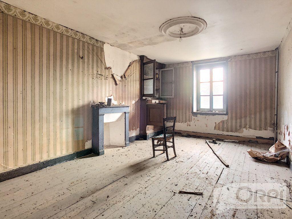 Maison à vendre 4 115.6m2 à Bussières vignette-4