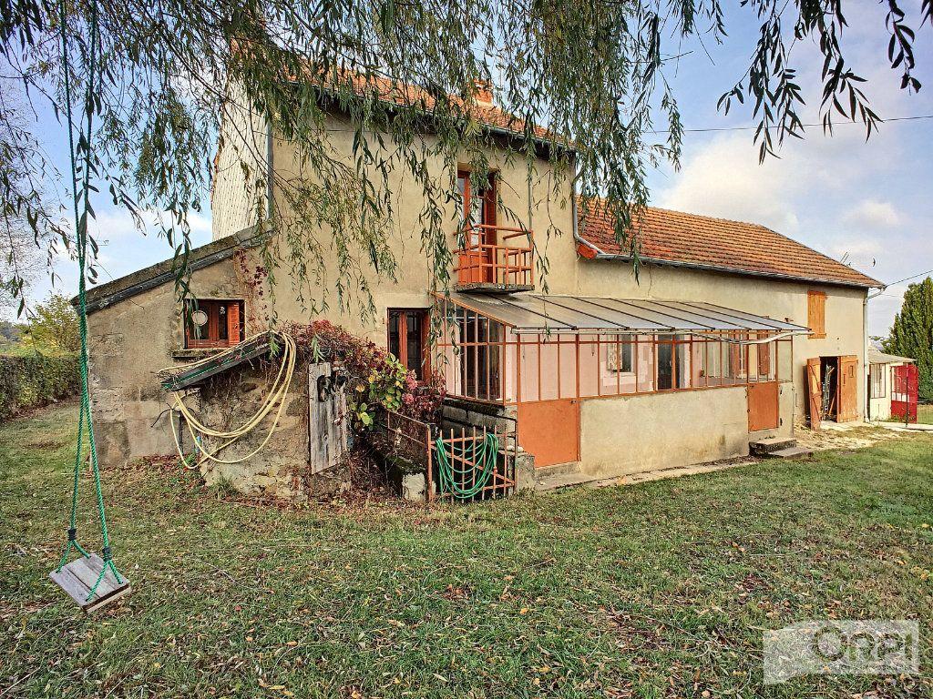 Maison à vendre 9 135m2 à Saint-Éloy-les-Mines vignette-1