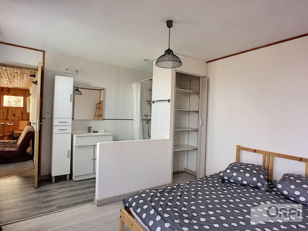 Maison à vendre 9 135m2 à Saint-Éloy-les-Mines vignette-7
