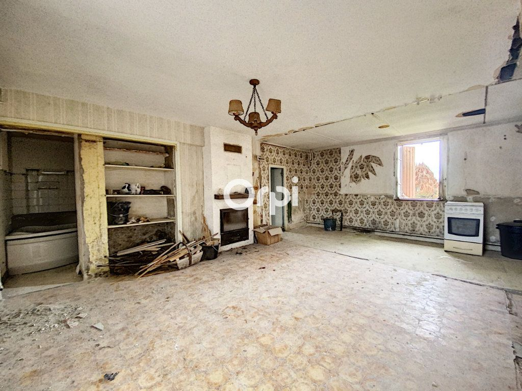 Maison à vendre 9 135m2 à Saint-Éloy-les-Mines vignette-11