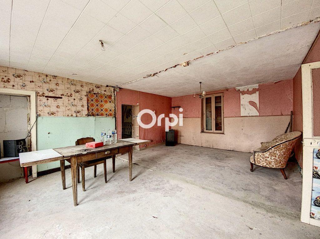 Maison à vendre 9 135m2 à Saint-Éloy-les-Mines vignette-15