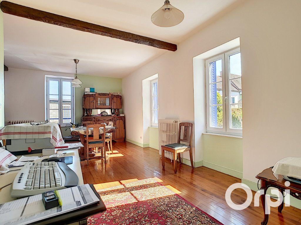 Maison à vendre 4 140.5m2 à Pionsat vignette-4