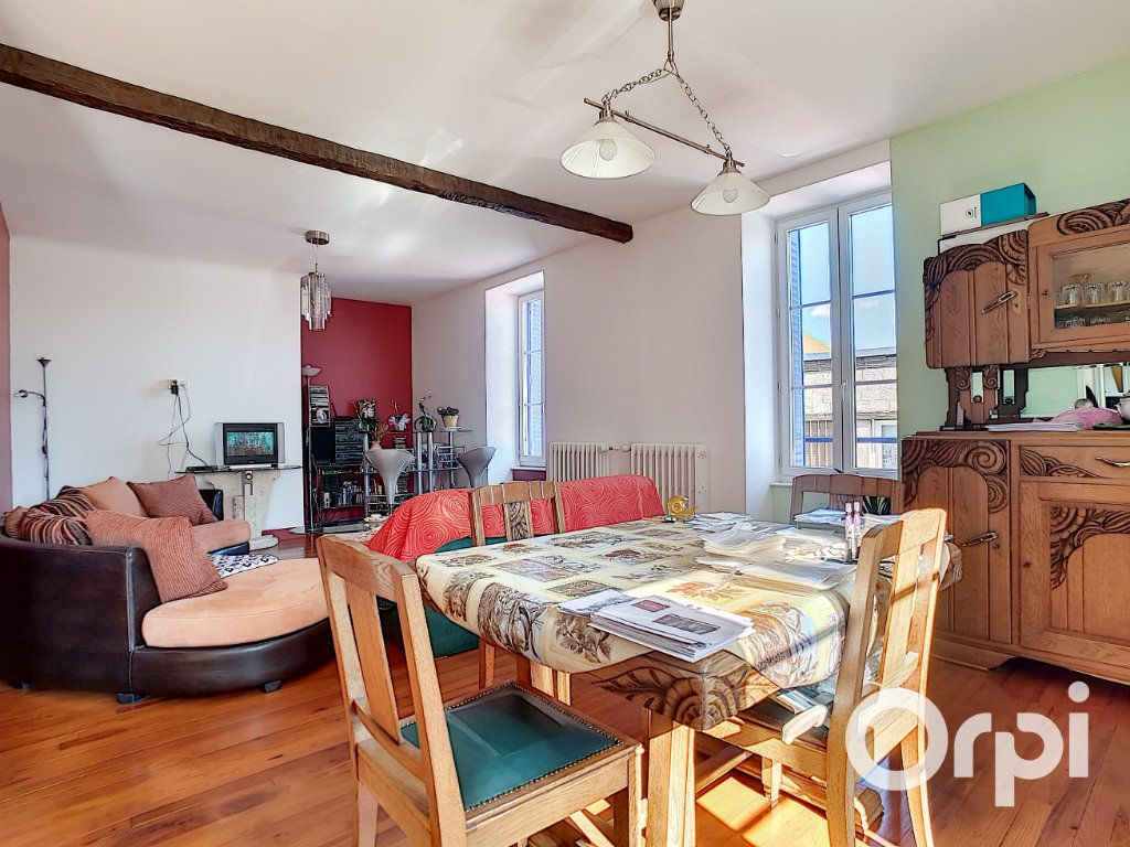 Maison à vendre 4 140.5m2 à Pionsat vignette-5