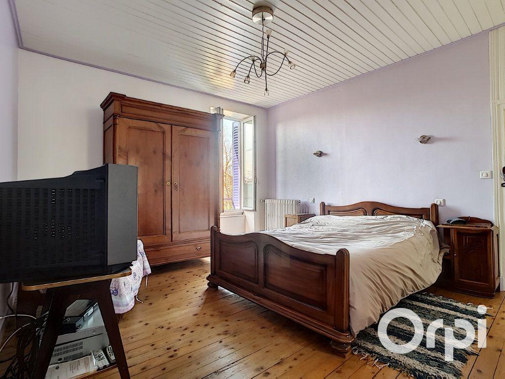 Maison à vendre 4 140.5m2 à Pionsat vignette-10