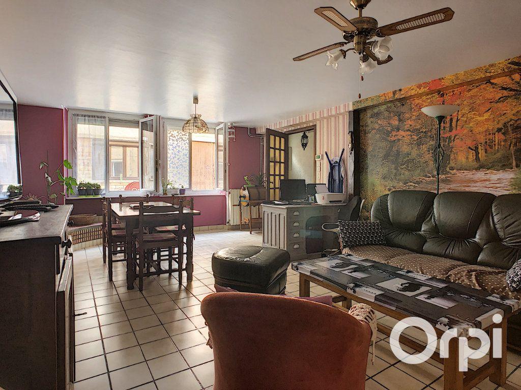 Maison à vendre 5 105m2 à Montaigut vignette-4