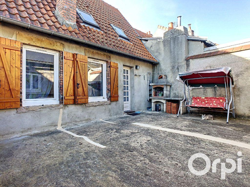 Maison à vendre 5 105m2 à Montaigut vignette-8