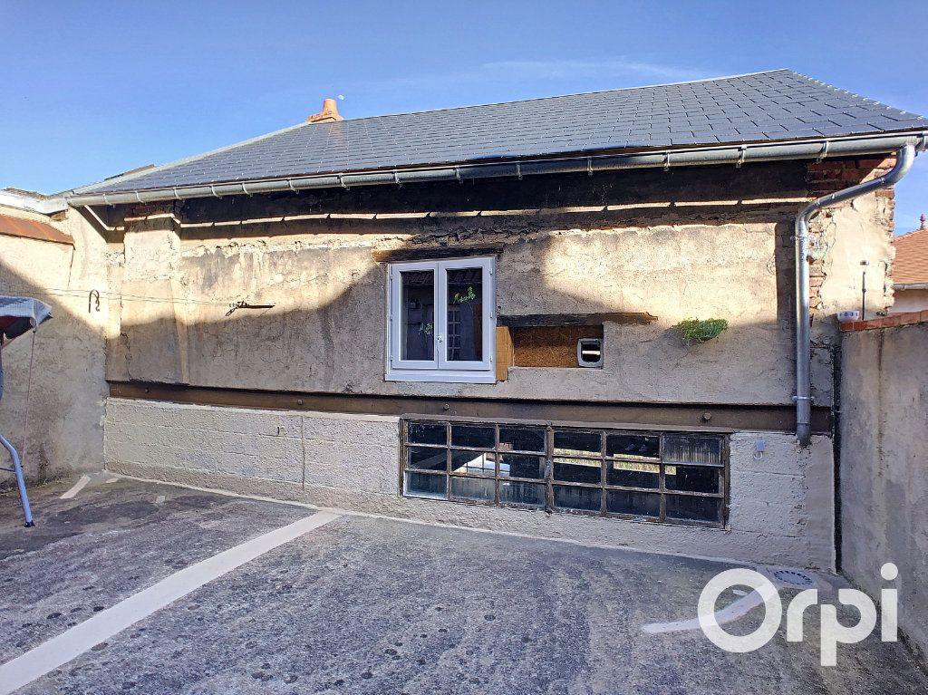 Maison à vendre 5 105m2 à Montaigut vignette-9