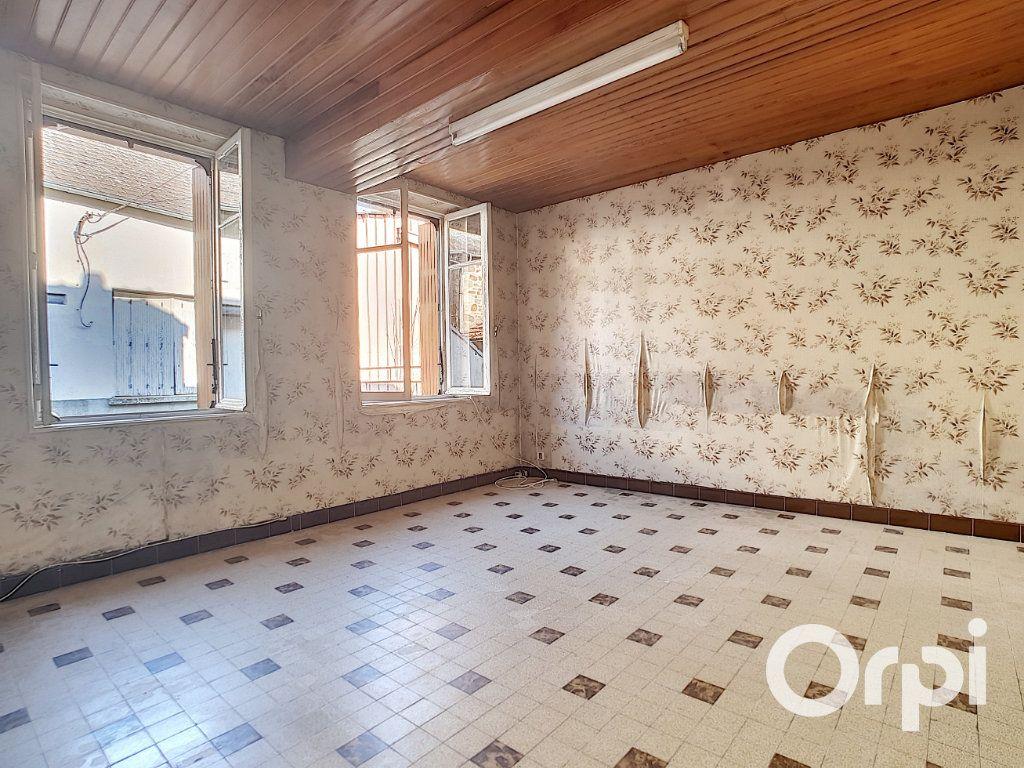 Maison à vendre 5 103.09m2 à Pionsat vignette-4